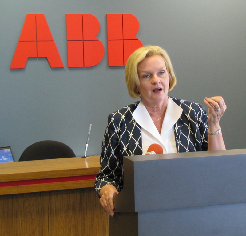 U.S. Senator McCaskill visits ABB plant in St. Louis to discuss smart grid, wind power technologies
