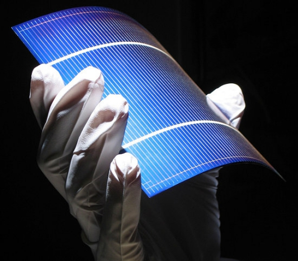 Imec, SolarWorld, and Solvay debut 100-μm thin PV cell