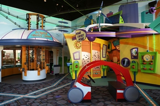 Novel children's museum exhibit powers up energy education through play