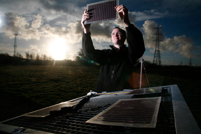 2-DTech & Dyesol cooperate to develop graphene-enhanced photovoltaics