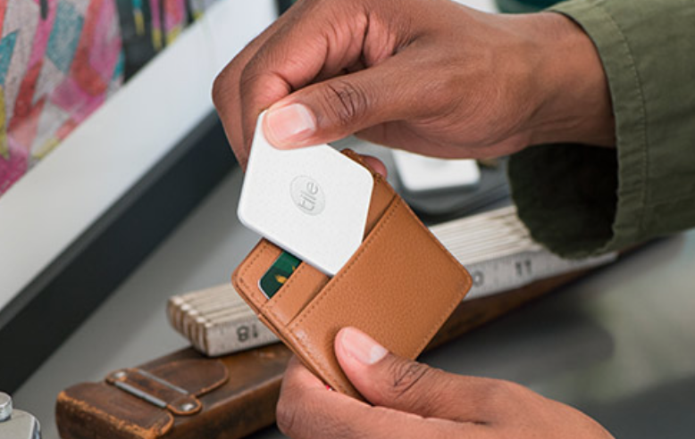 Dialog Semi enhances connectivity of Tile Slim, the thinnest Bluetooth tracker available