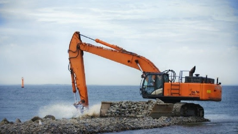 Leica Geosystems extends field of applications for excavators with reinforced dredging sensors