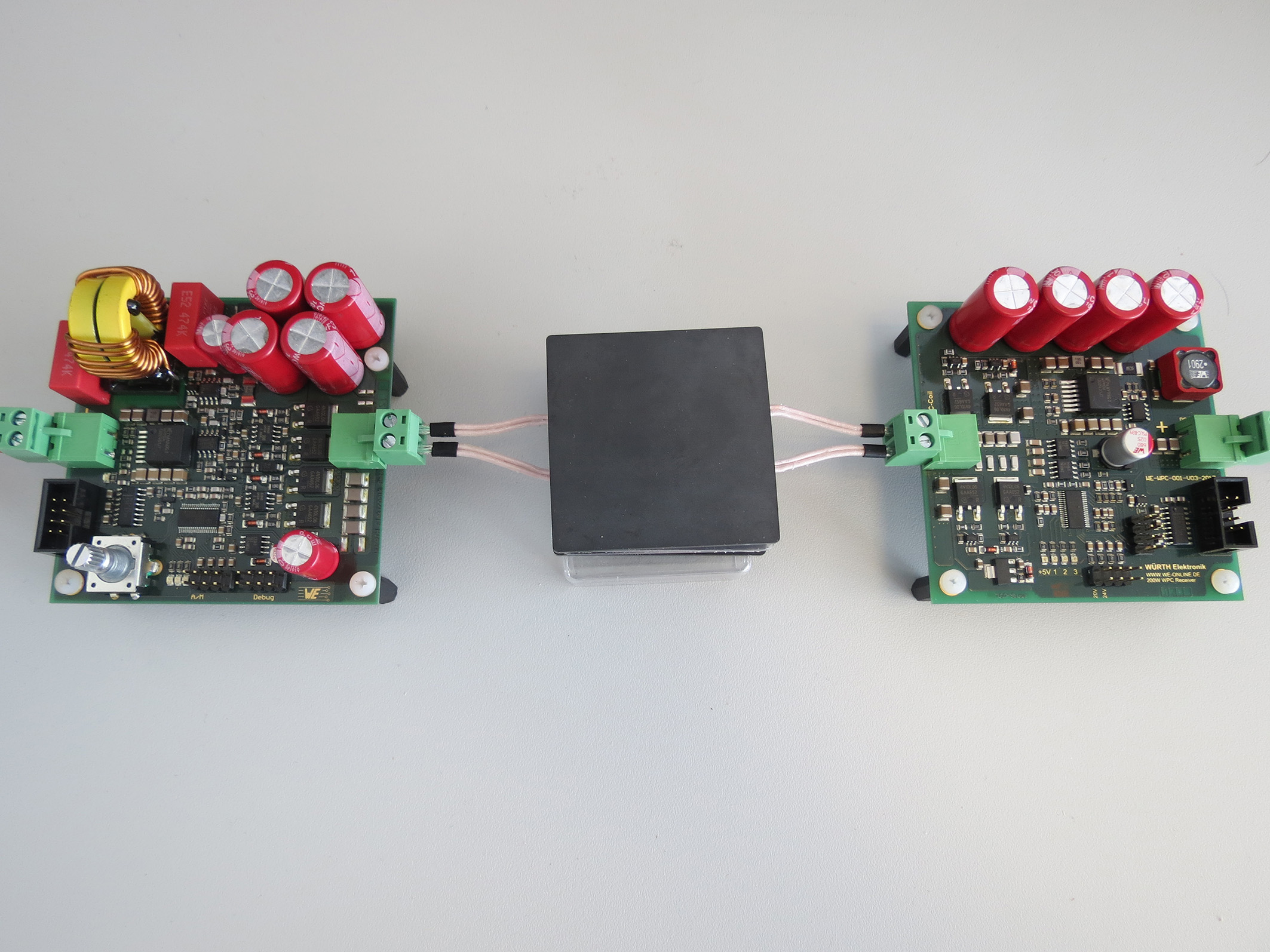 New 200-watt development system: Combining wireless power and data transmission