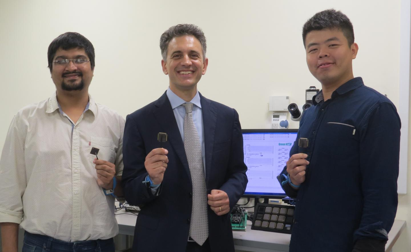 NUS Engineers Invent Smart Microchip That Can Self-Start And Operate When Battery Runs Out