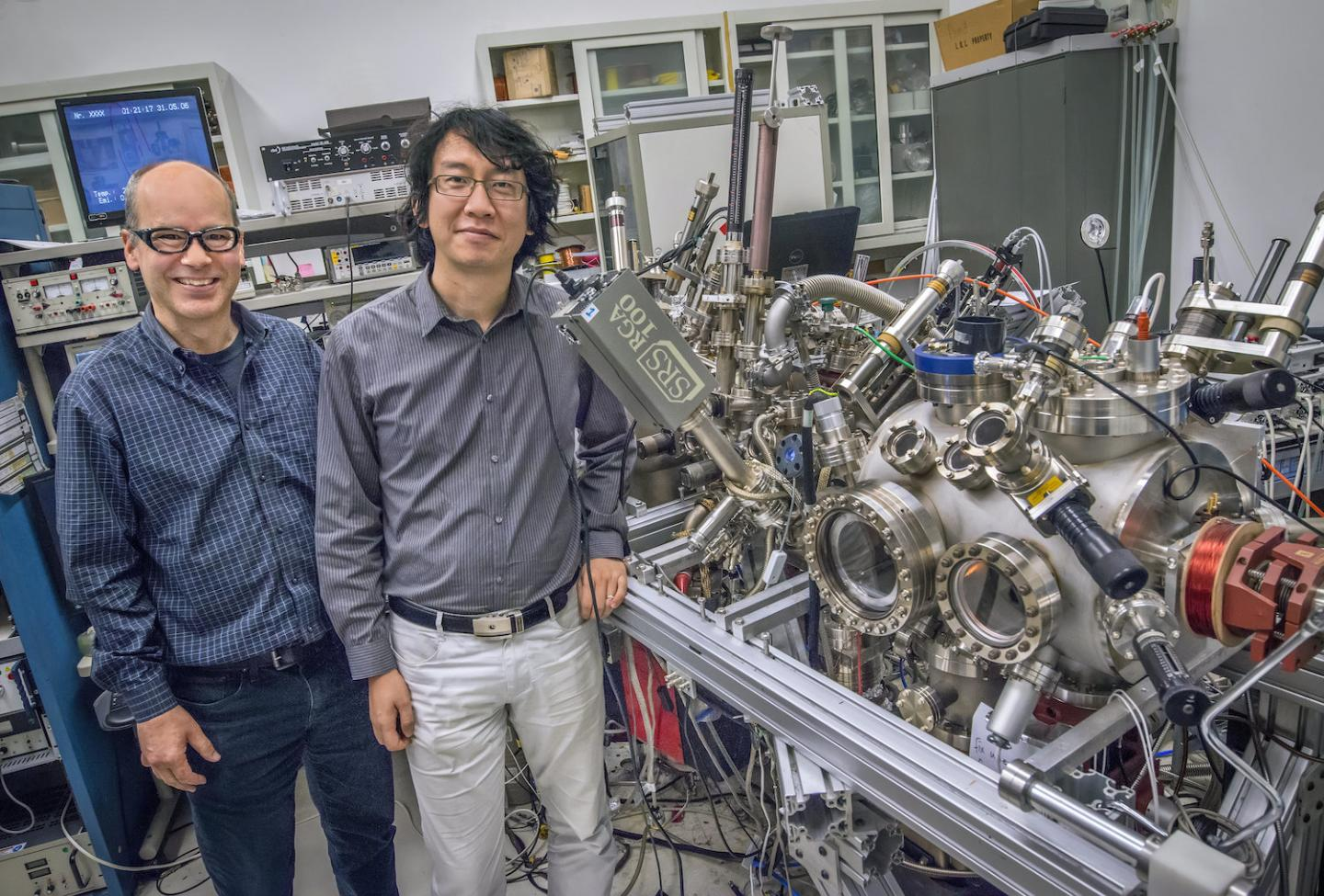 Graphene Layered With Magnetic Materials Could Drive Ultrathin Spintronics