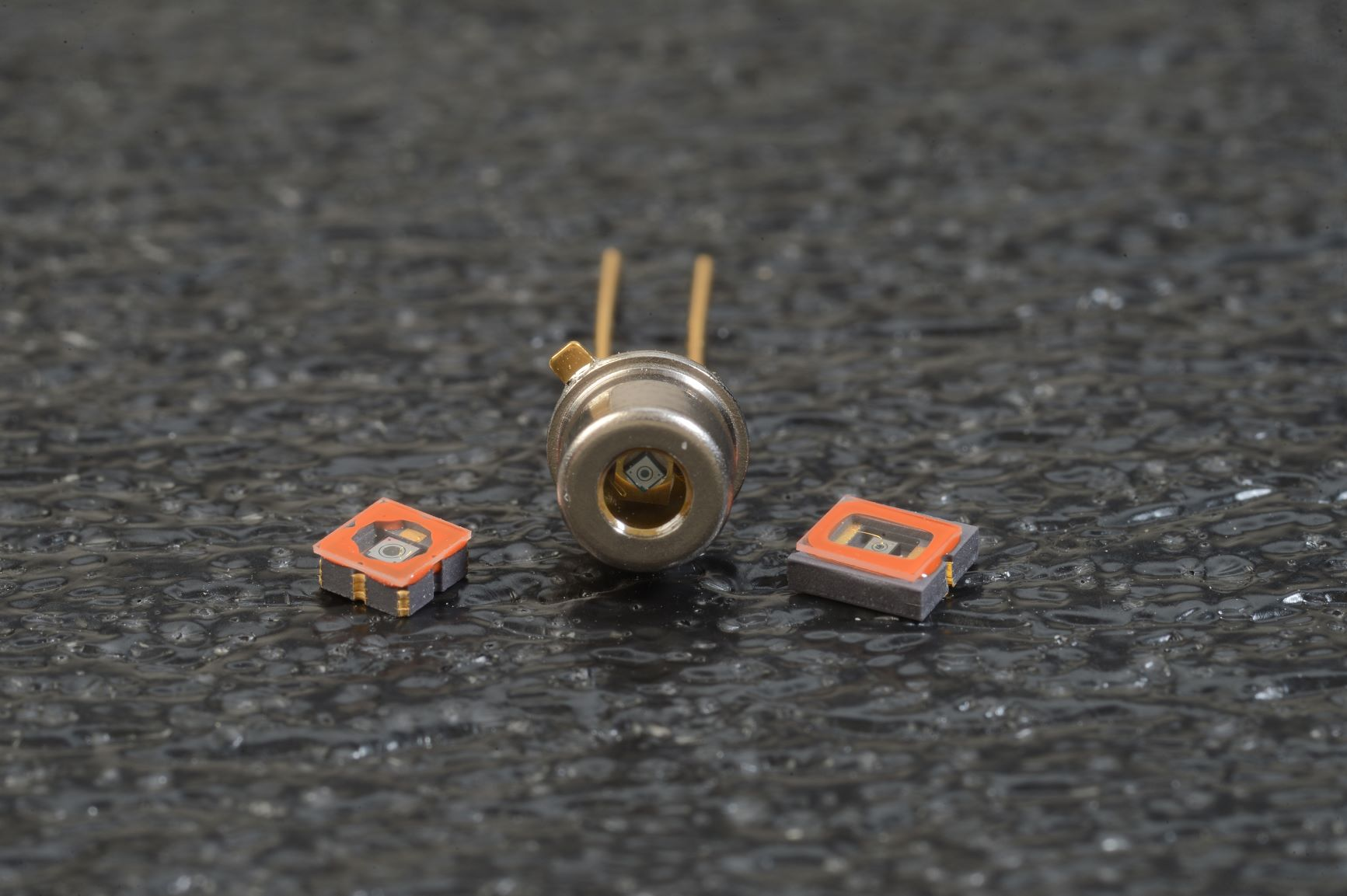 Photodiodes for Low-Level Light and Short Pulse Detection