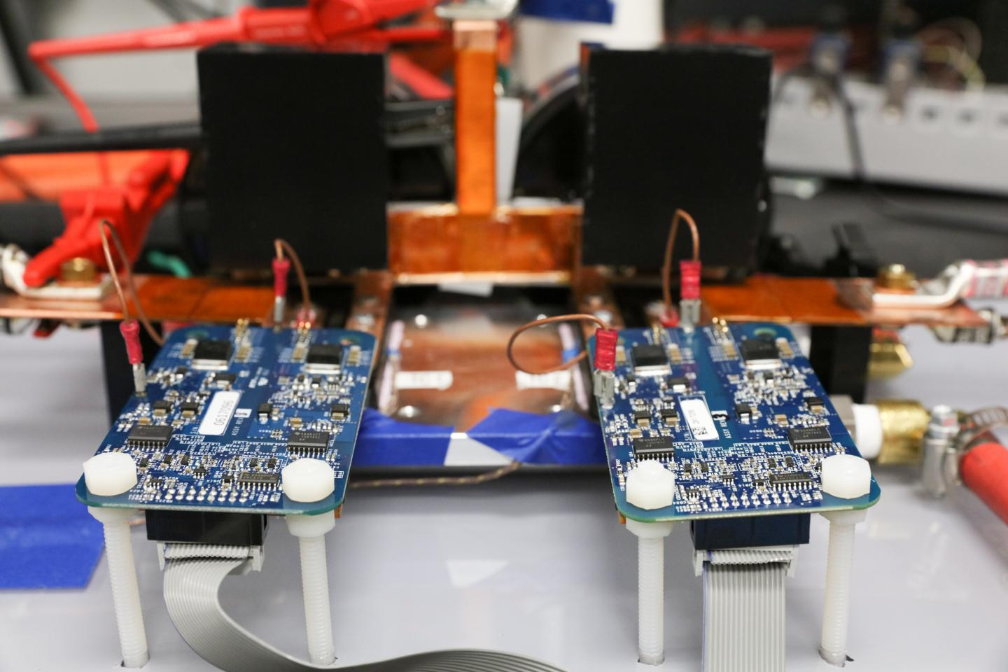ORNL Demonstrates 120-kW Wireless Charging for Vehicles