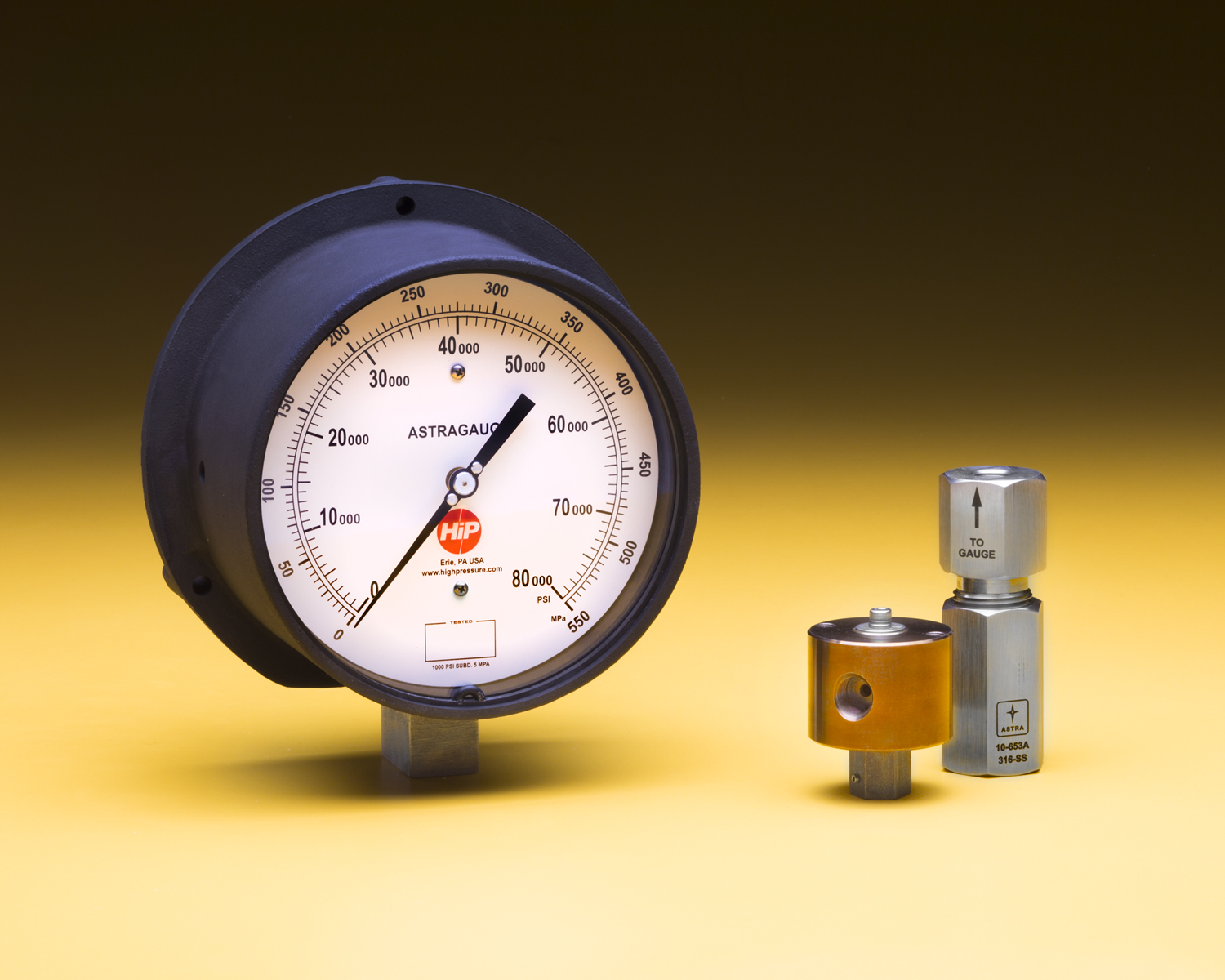 Pressure Gauges Accommodate Pressures up to 150,000 psi