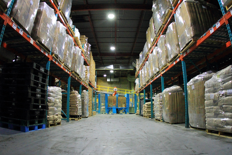 Why Industrial LED Fixtures are Ideal for Warehouse Lighting