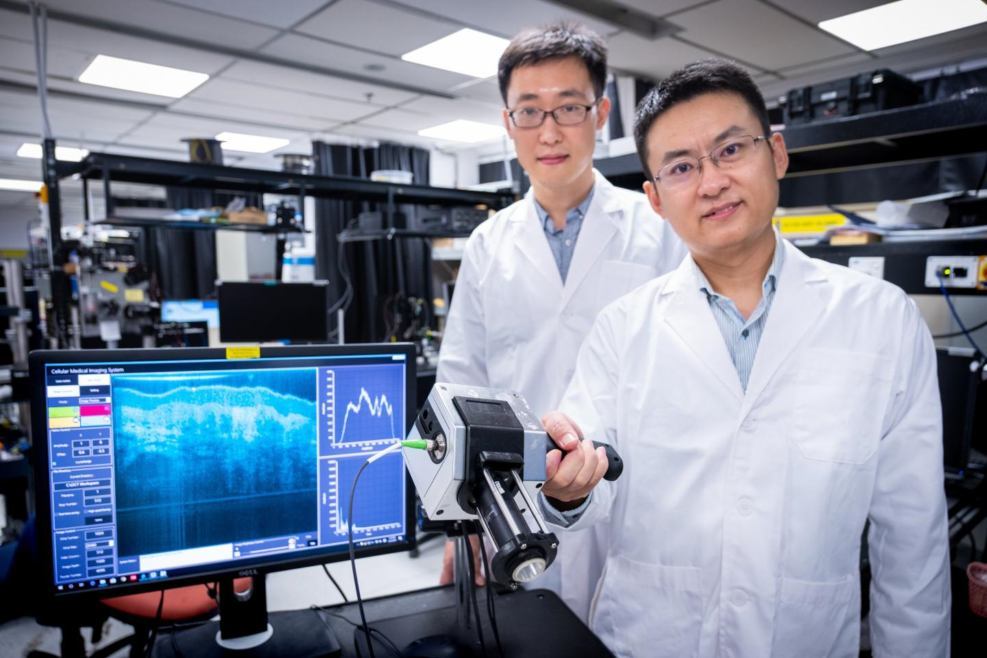 Scientists Develop Handheld, High-Res Medical Imaging Device