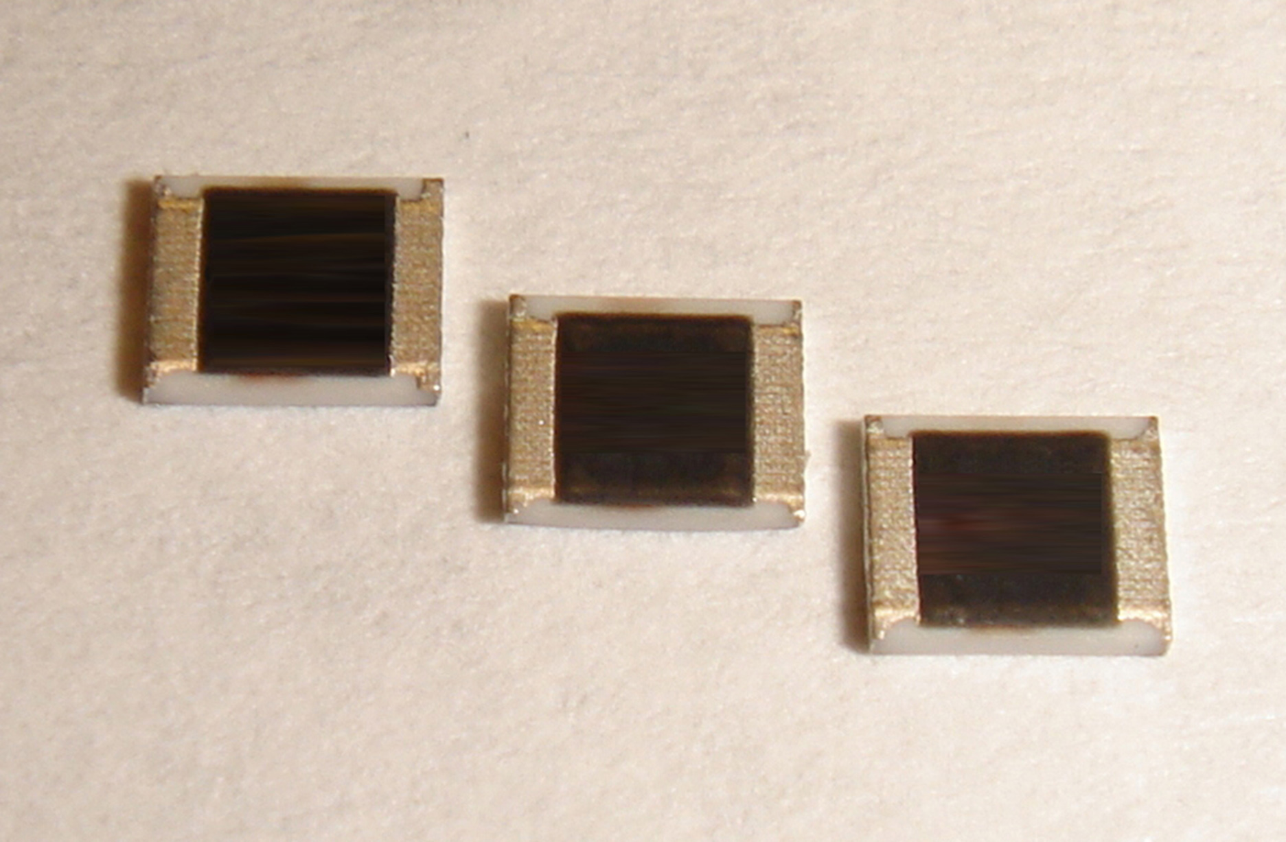 Current-Sensing Chip Resistor Offers Power Rating up to 5W