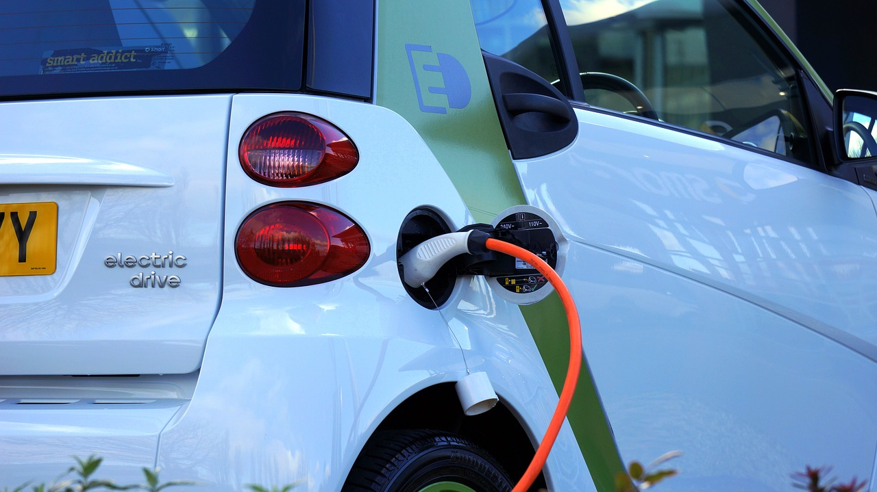 Refueling Electric Cars with Liquid Electrolytes