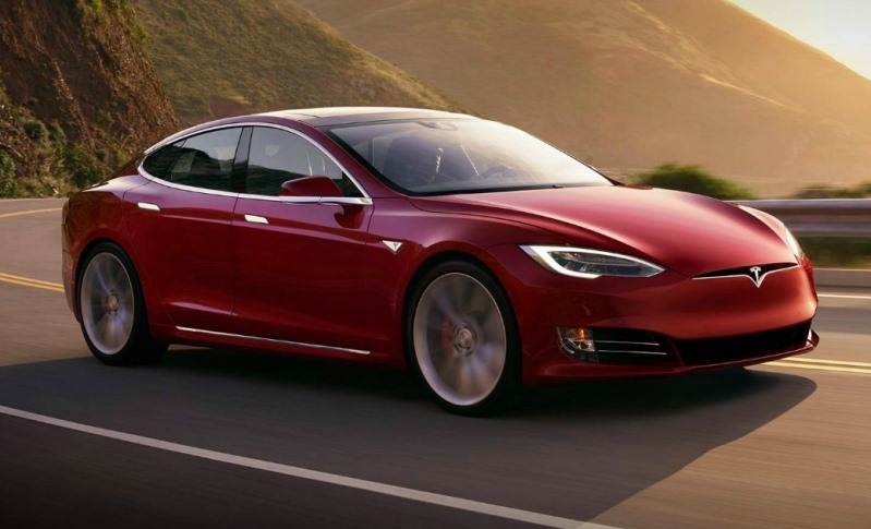 New Survey Describes Tesla Owners as Fanatical