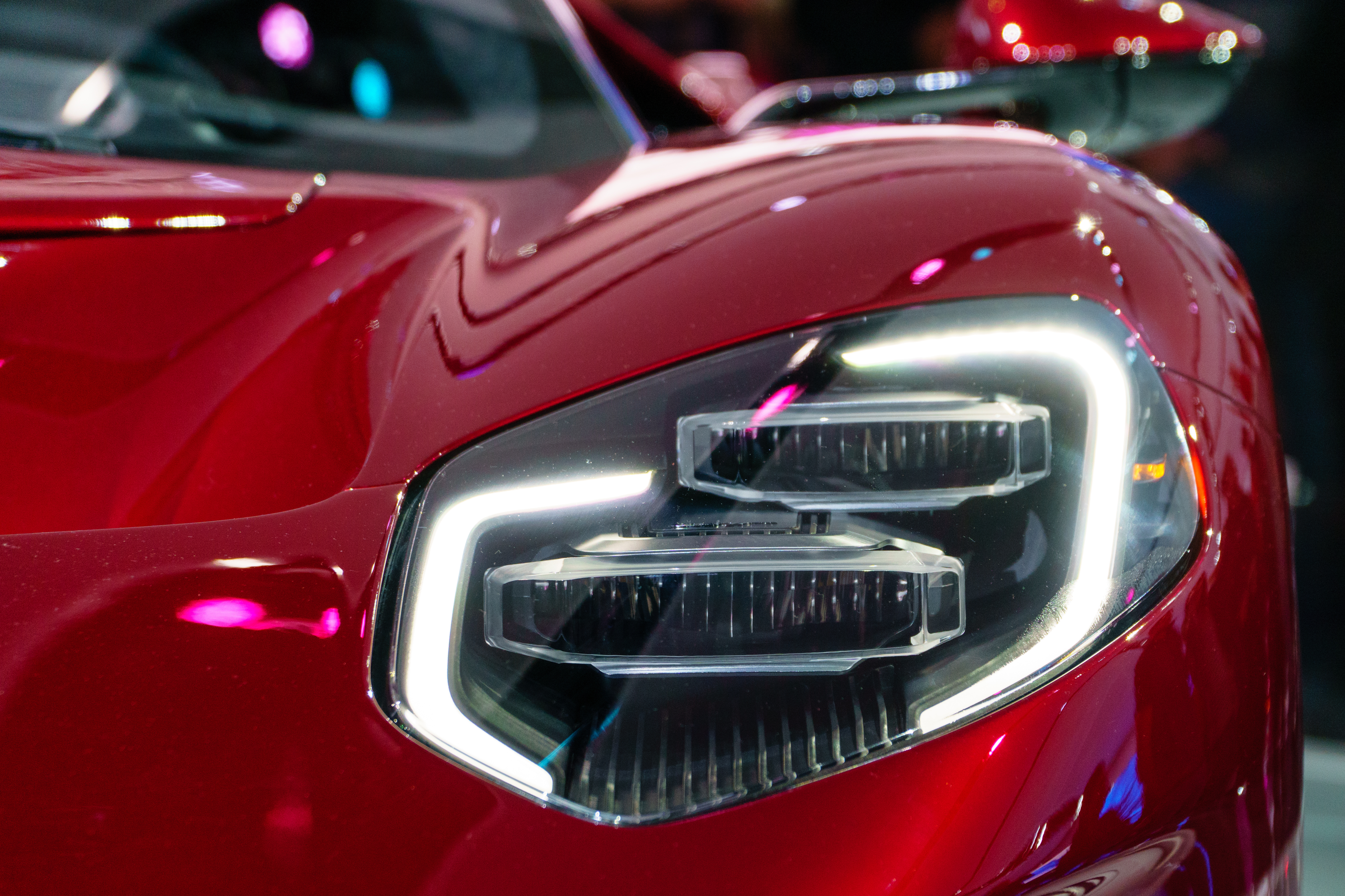 Choosing the Right LED Controller to Enhance Automotive Exterior Lighting