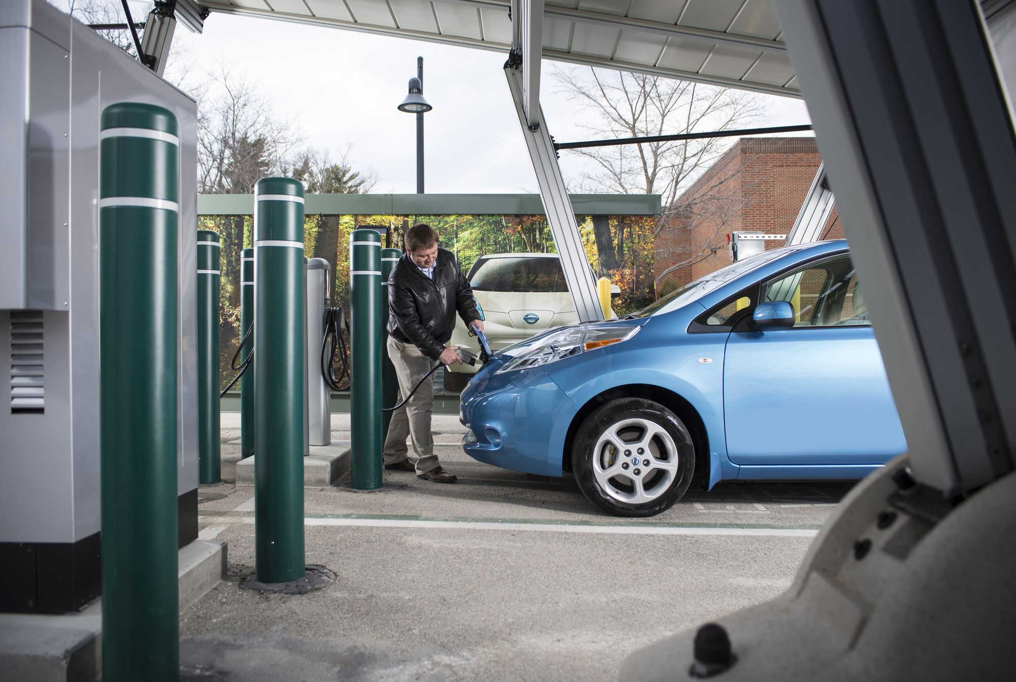 New Technology Could Recharge Electric Cars in Five Minutes ... Maybe