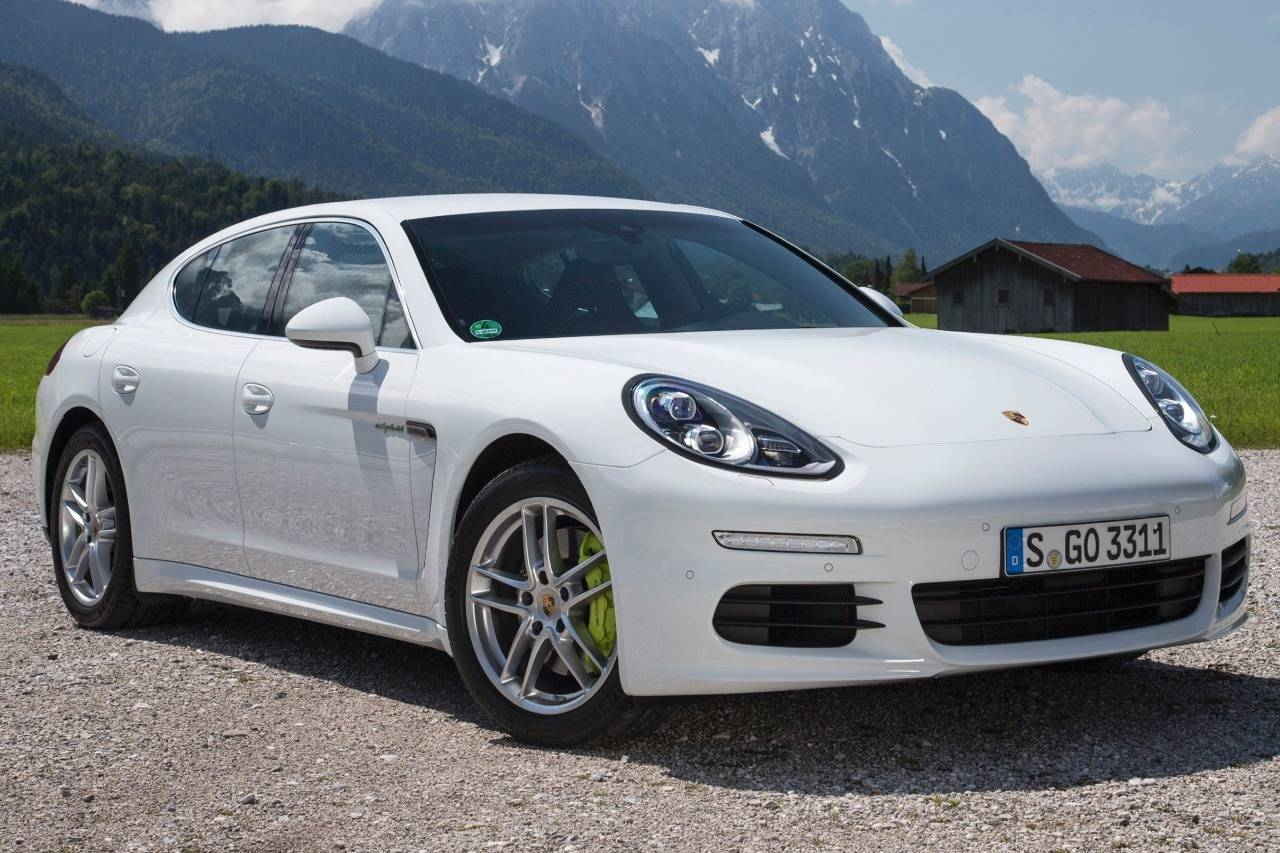 Porsche Hybrid Puts Huge Strain on Battery Suppliers