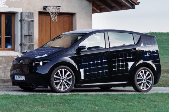 This Solar Car Charges as You Drive