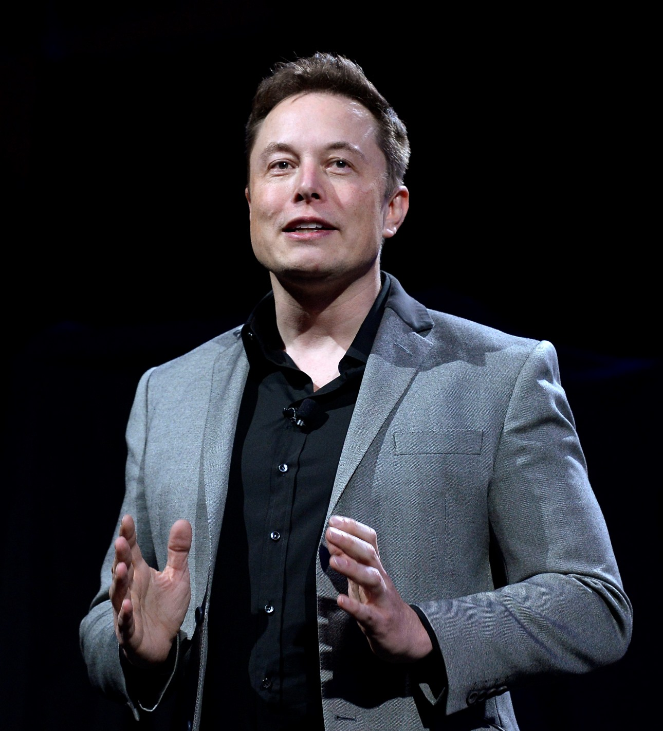 Tesla Promises to Cover Tax Credits for Delayed Orders