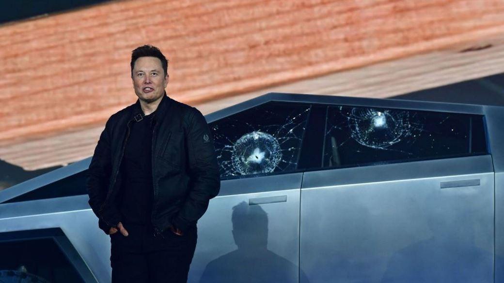 Tesla Cybertruck Shows off Bulletproof Windows