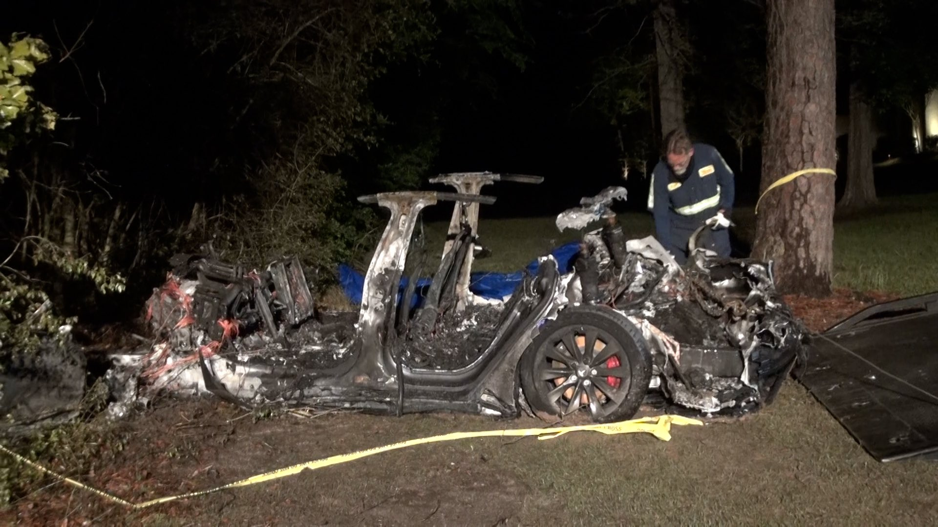 Fatal Tesla Crash Had No One in the Driver's Seat