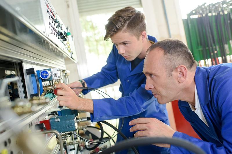 Best Practice Training for UK Engineering Apprentices