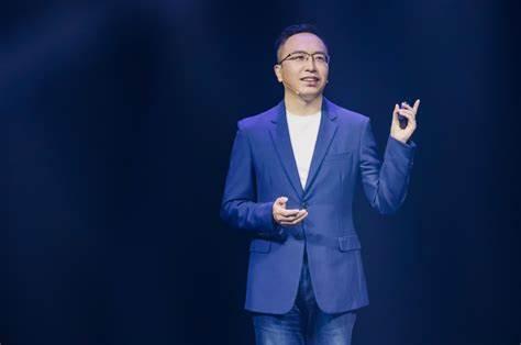 U.S. Split on Whether to Blacklist Former Huawei Smartphone Company